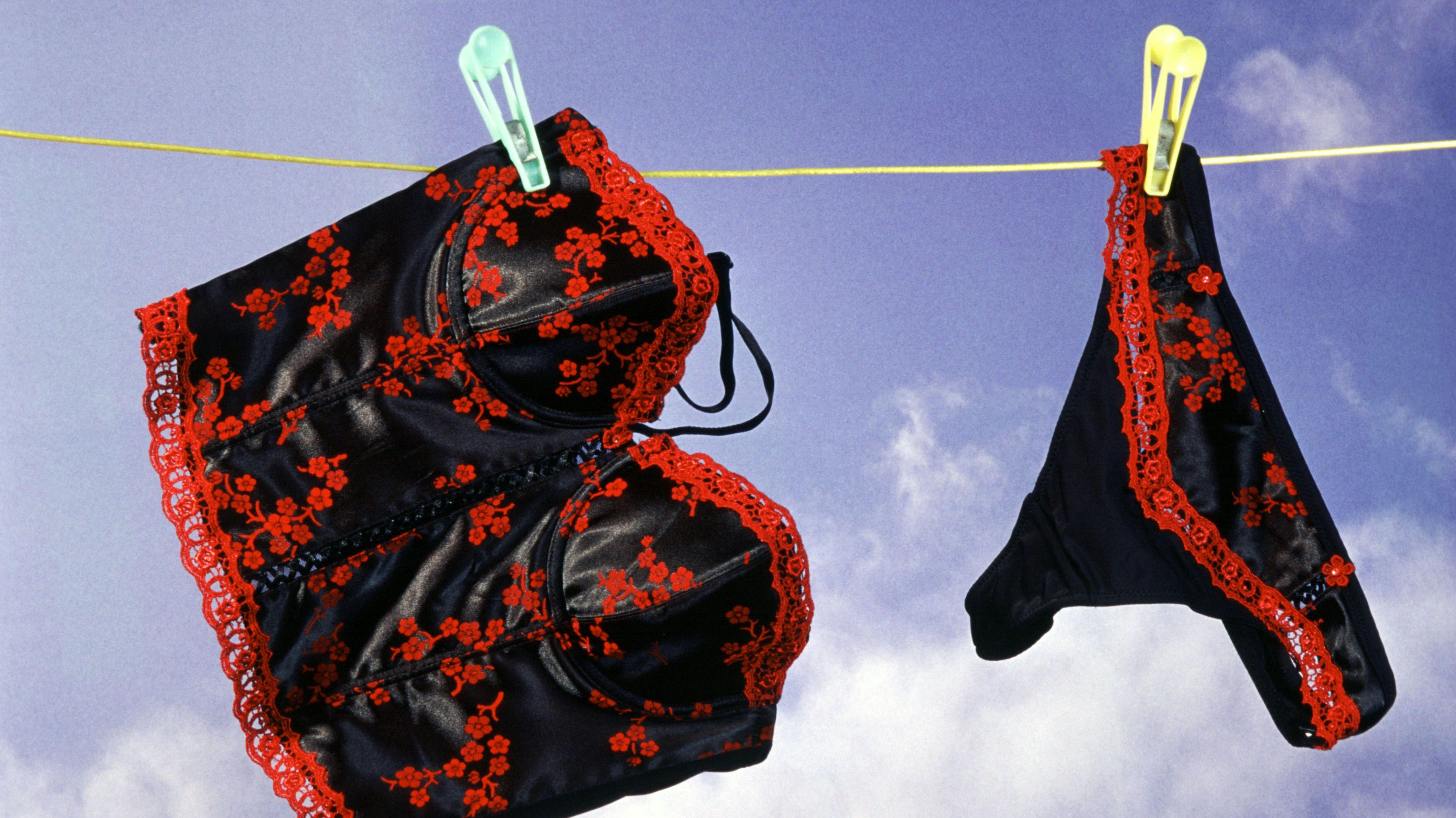 Mann in Damenunterwäsche sorgt für Verunsicherung (Symbolbild)