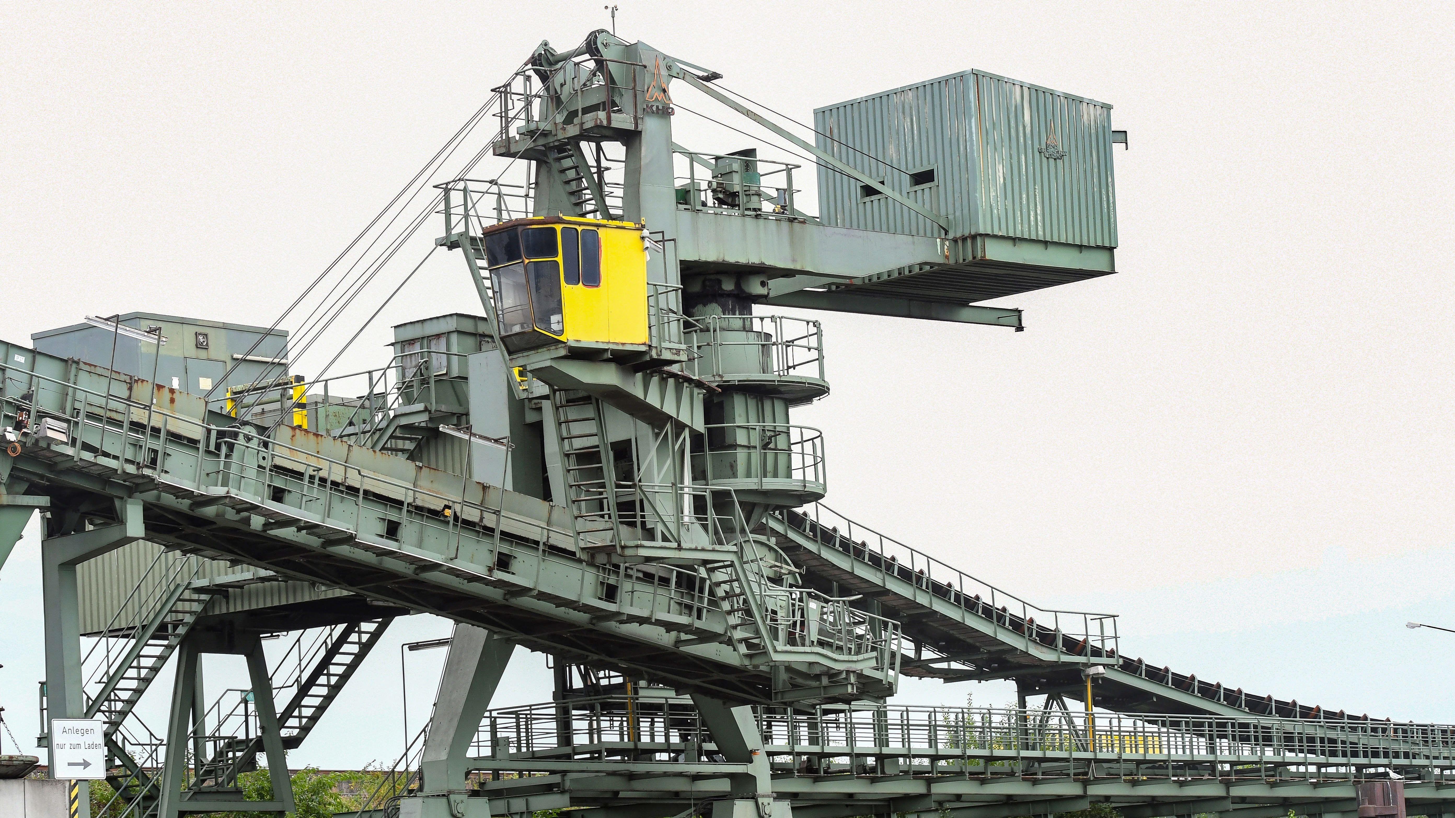 Kohleverladung im Duisburger Hafen