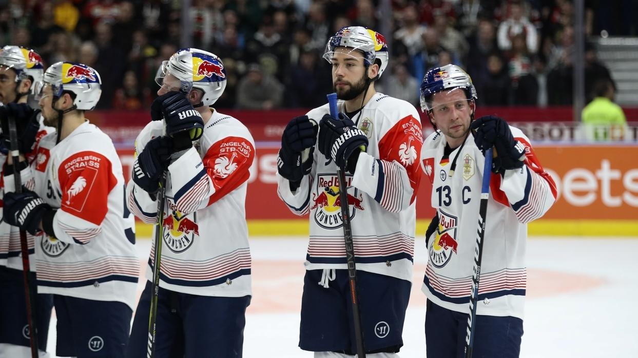 Enttäuschte Münchner Eishockeypieler