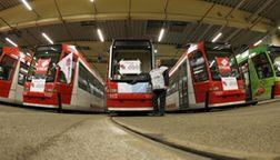 Trambahnen im Depot in Nürnberg | Bild:pa/Dpa/Daniel Karmann
