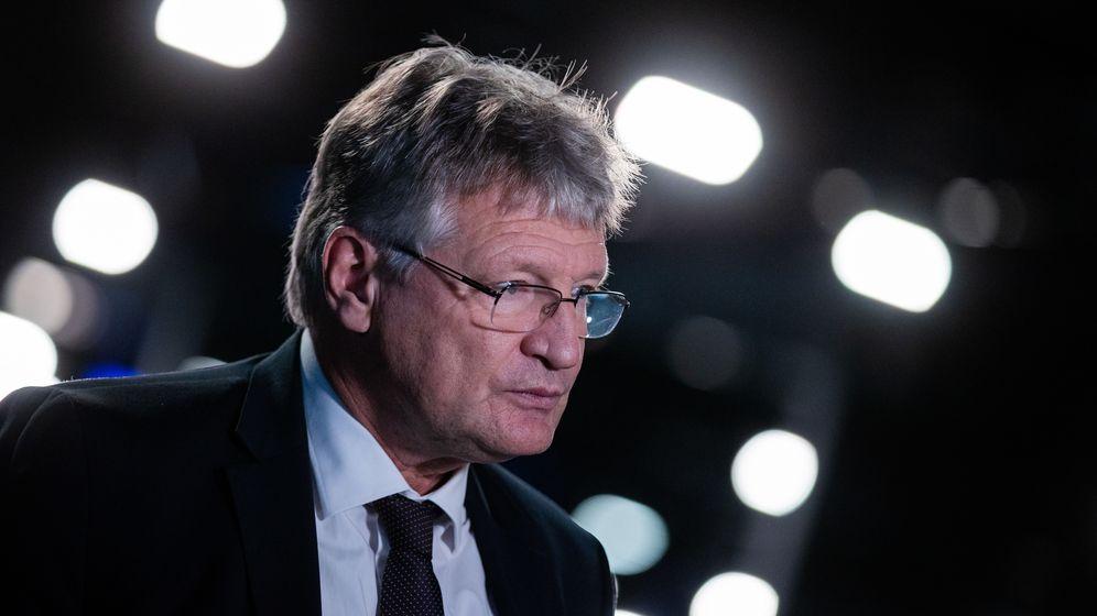 Jörg Meuthen gibt beim Bundesparteitag der AfD ein Interview. | Bild:picture alliance/Rolf Vennenbernd/dpa