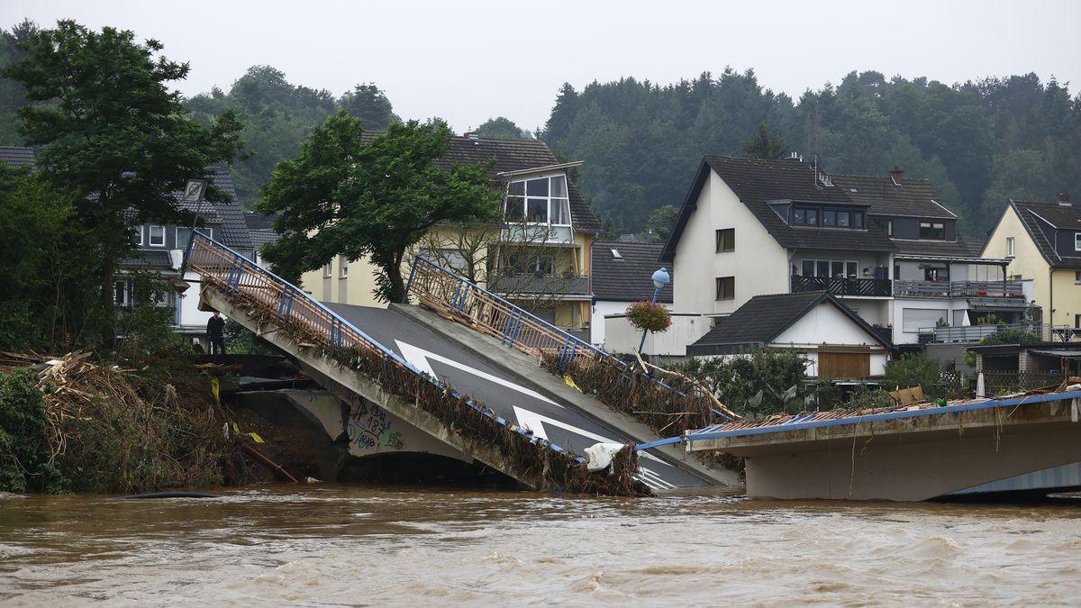 In Rheinland-Pfalz und Nordrhein-Westfalen stehen immer noch weite Gebiete unter Wasser. Hilfe kommt jetzt auch aus dem Allgäu.
