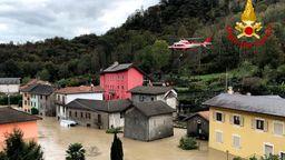 Überschwemmung im Piemont | Bild:dpa-Bildfunk
