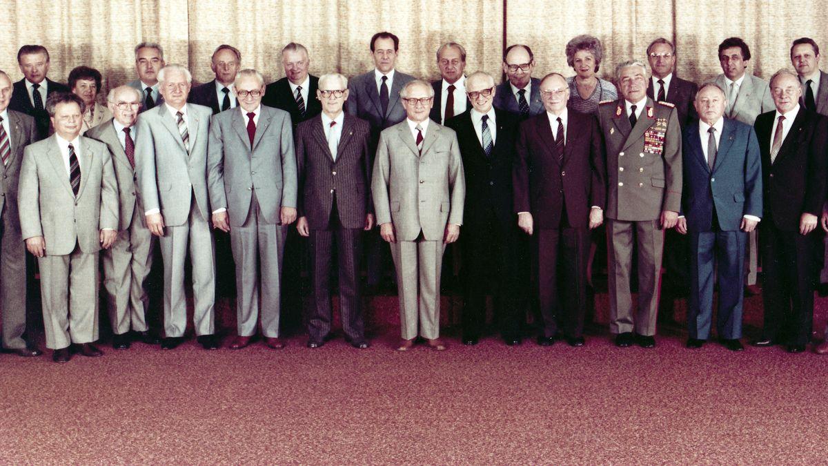 Das Politbüro der SED im Jahr 1980