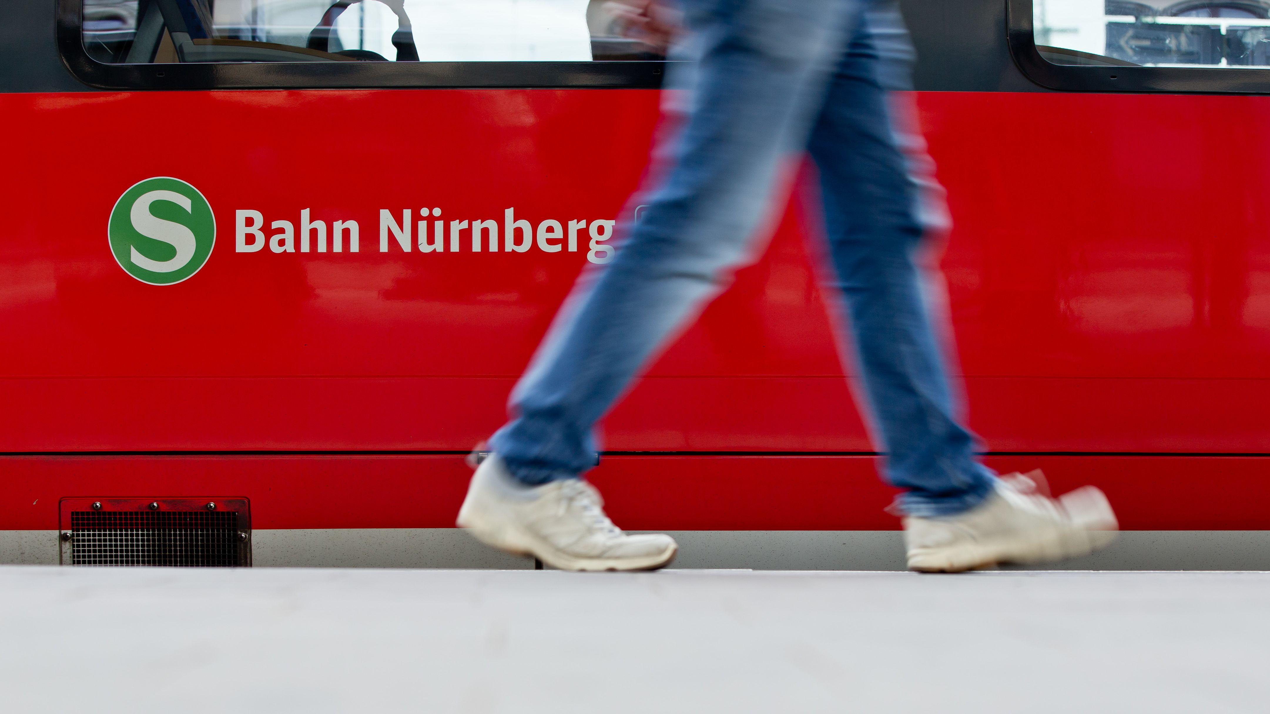 Bisher fährt die S-Bahn nur bis ins mittelfränkische Hartmannshof. Nürnbergs OB Maly hält eine Verlängerung nach Amberg für möglich.