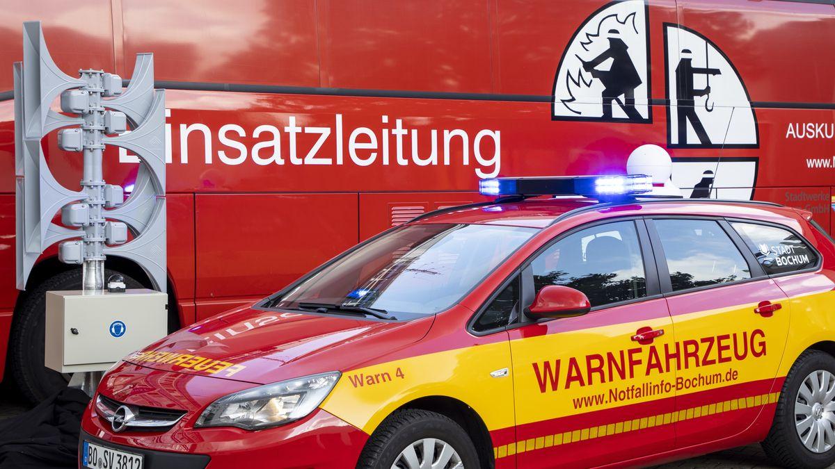 Das Warnfahrzeug wird bei Gefahrenlagen eingesetzt, um die Bevölkerung vor Gefahren zu warnen