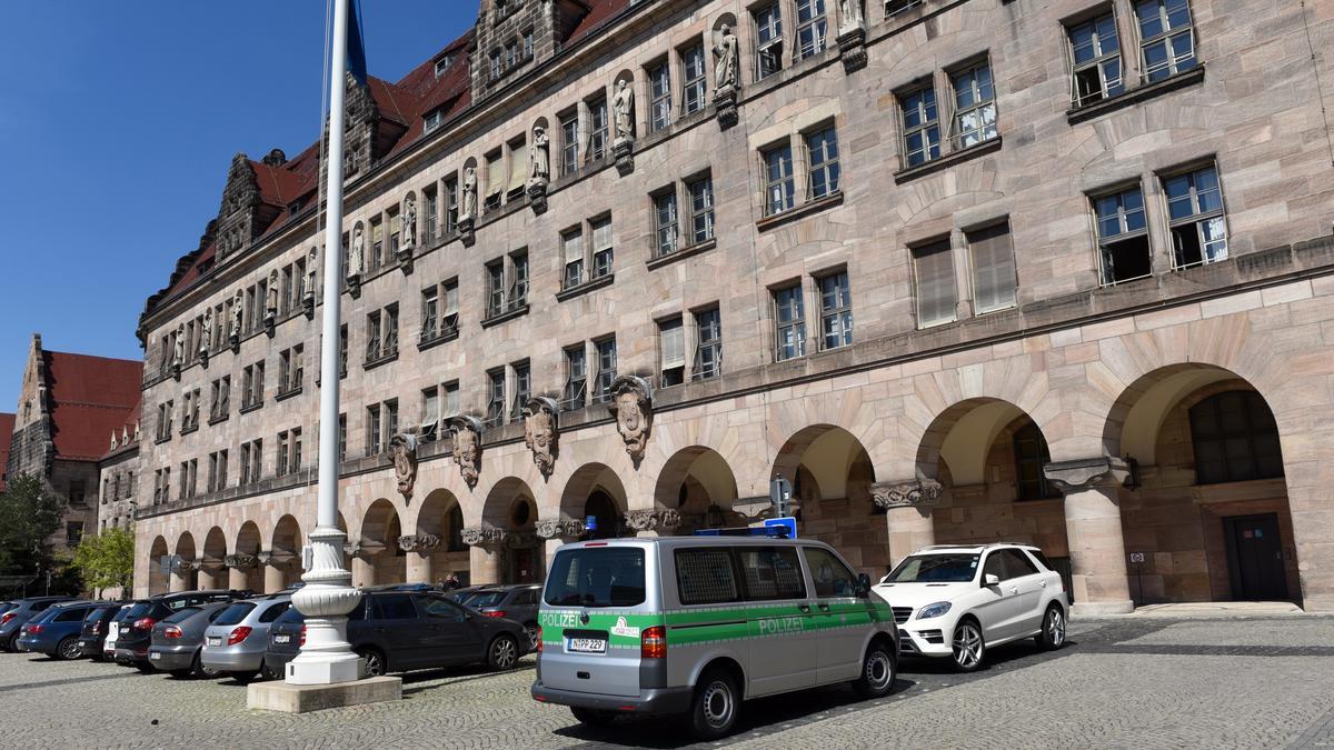 Haupteingang des Nürnberger Justizpalastes