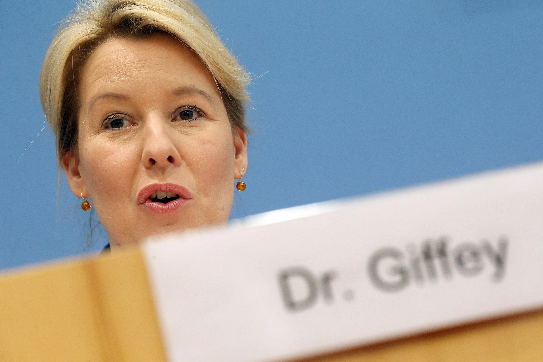 Kritik an Franziska Giffey nach Verzicht auf Führen eines Doktortitels