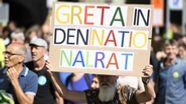 Ein Demonstrant in Bern würde sich die schwedische Klimaaktivistin Greta Thunberg in den Schweizer Nationalrat wünschen.  | Bild:picture alliance/KEYSTONE