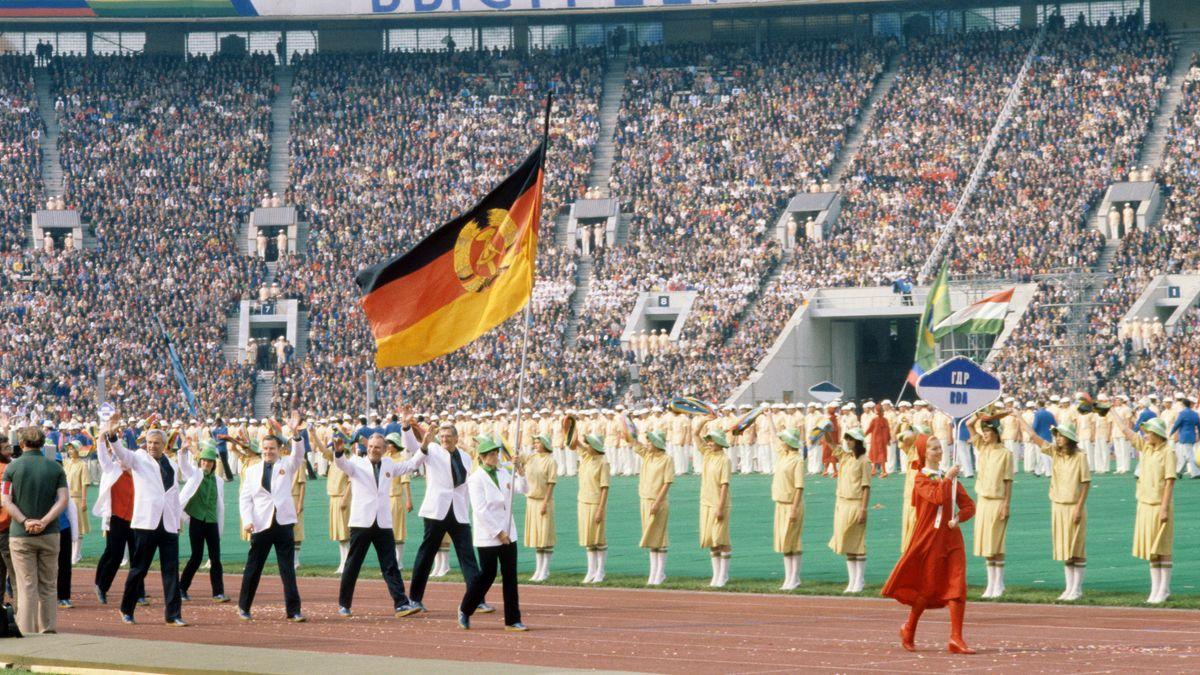 Einmarsch der Athleten der DDR