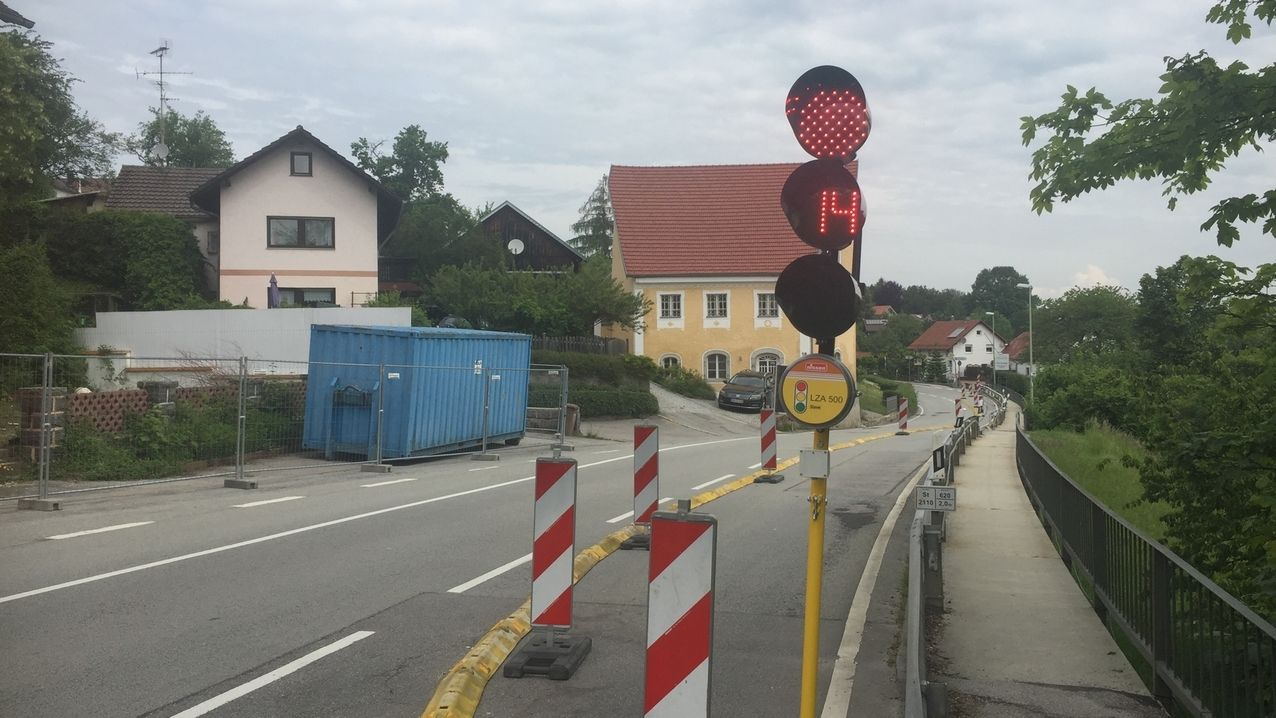 Ampel in Neuburg