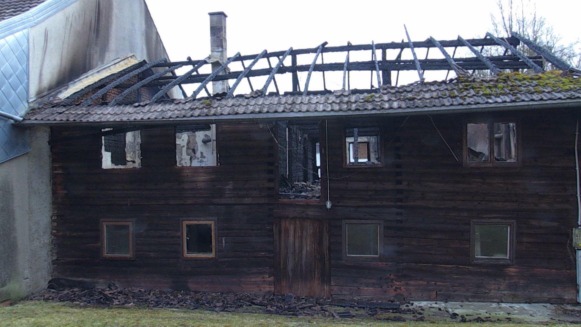 Bilder von der Brandstelle.