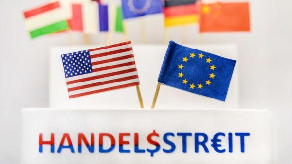 Flaggen der zertrittenen Handelswelt