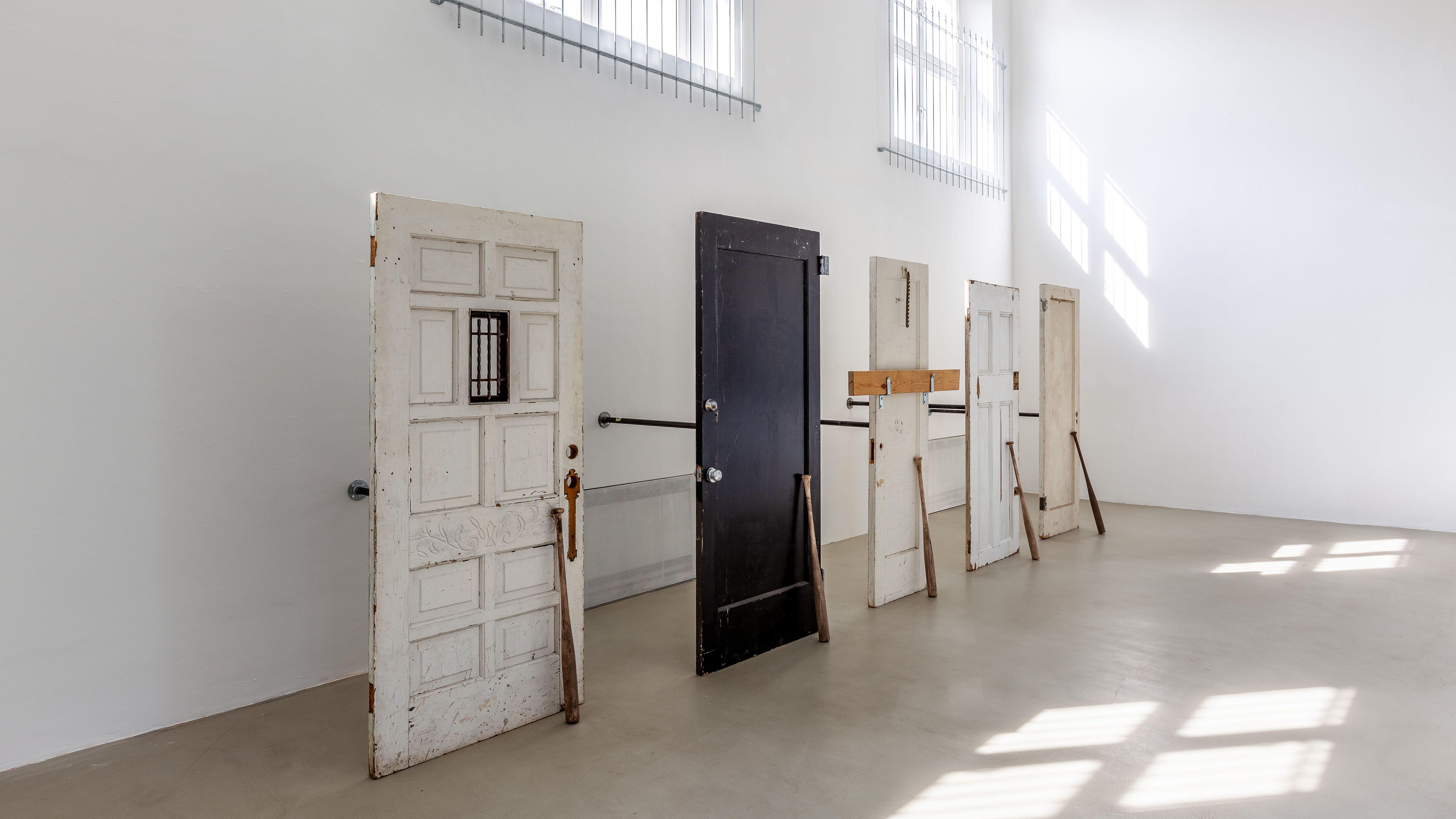 Installationsansicht/ installation view of Wall Sits, 2019 at Kunstverein München, Munich