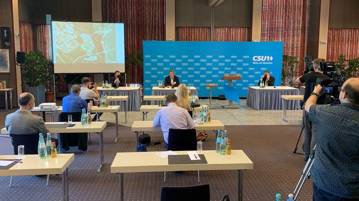 Auf einer Pressekonferenz sprechen sich führende CSU-Vertreter gegen das ICE-Werk in Altenfurt aus.