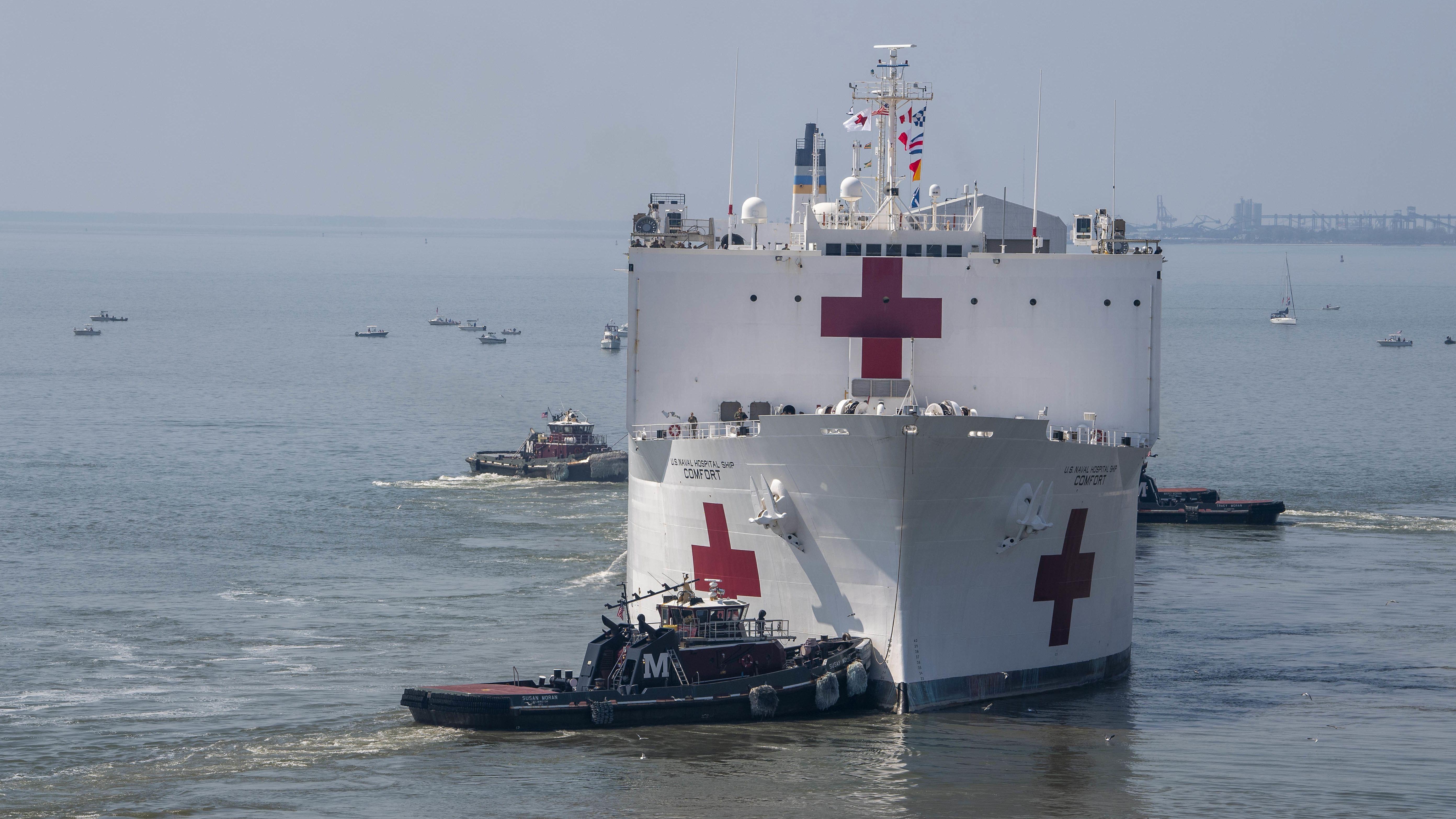 """Das Lazarettschiff """"Comfort"""" der US-Marine soll ab heute dabei helfen, New Yorker Krankenhäuser zu entlasten."""