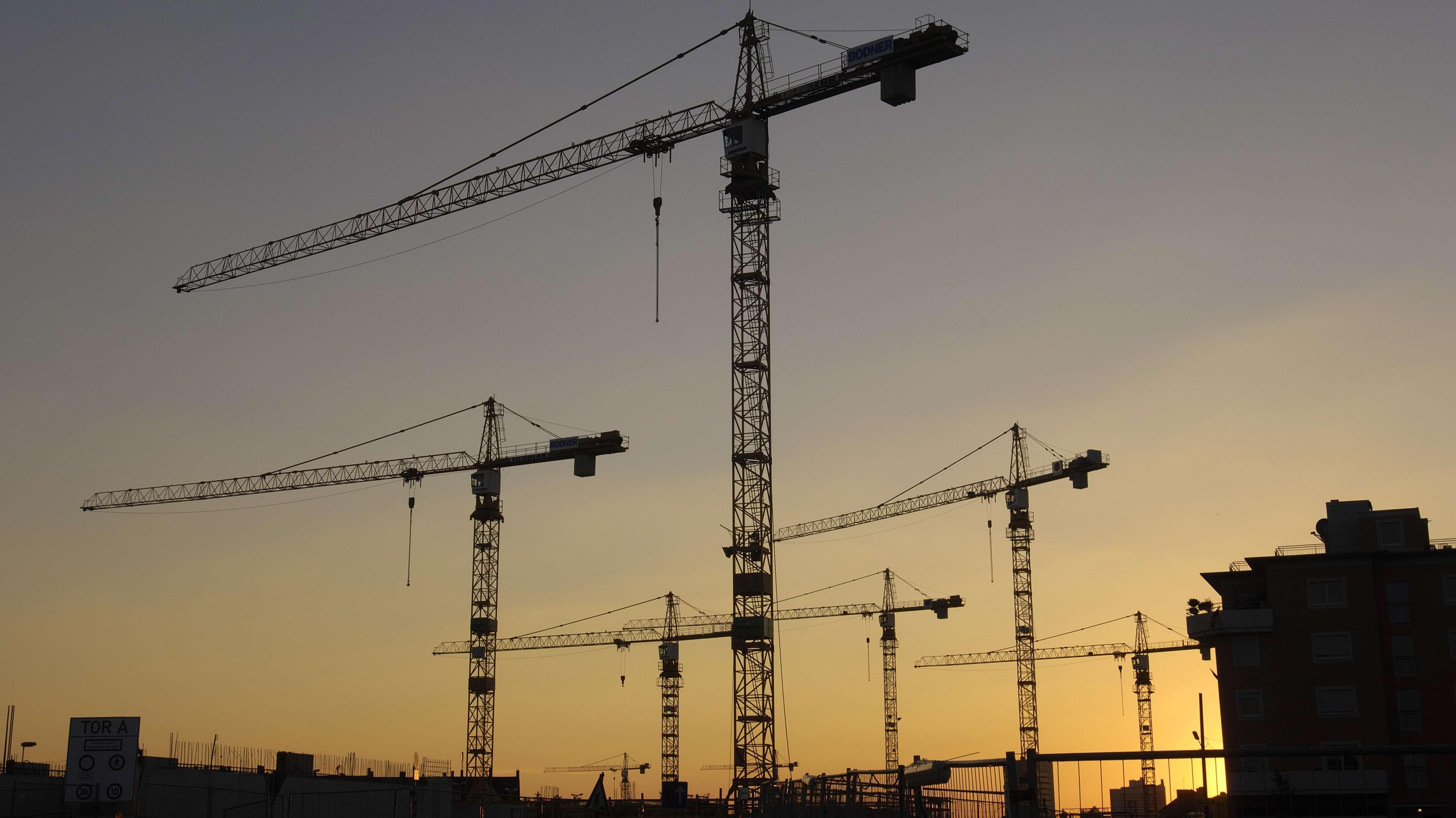 Baukräne in München - Symbolbild für den Wohnungsneubau in der Landeshauptstadt.