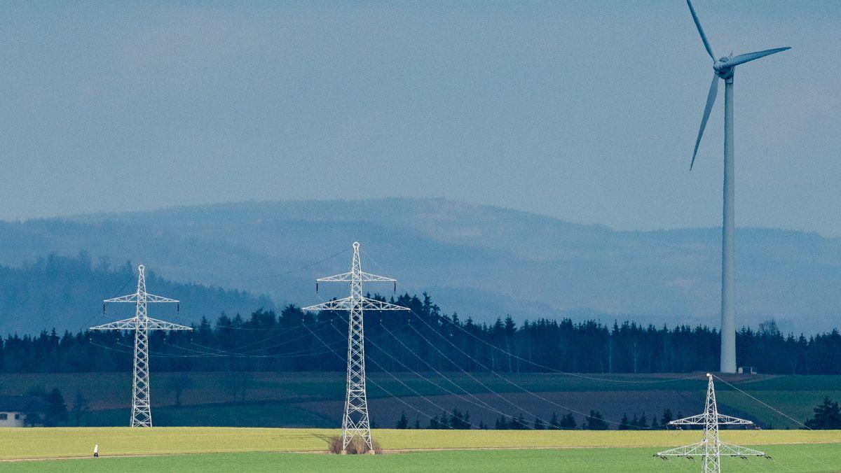 Bislang gilt in Bayern die 10H-Abstandsregel von neu zu errichtenden Windrädern zur nächstgelegenen Siedlung.