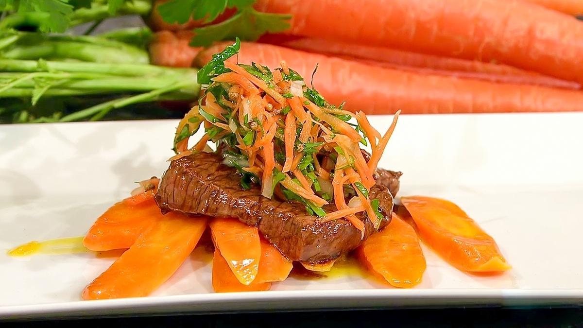 Rezept von Diana Burkel: Glasierte Rindermedaillons mit Karotten ...