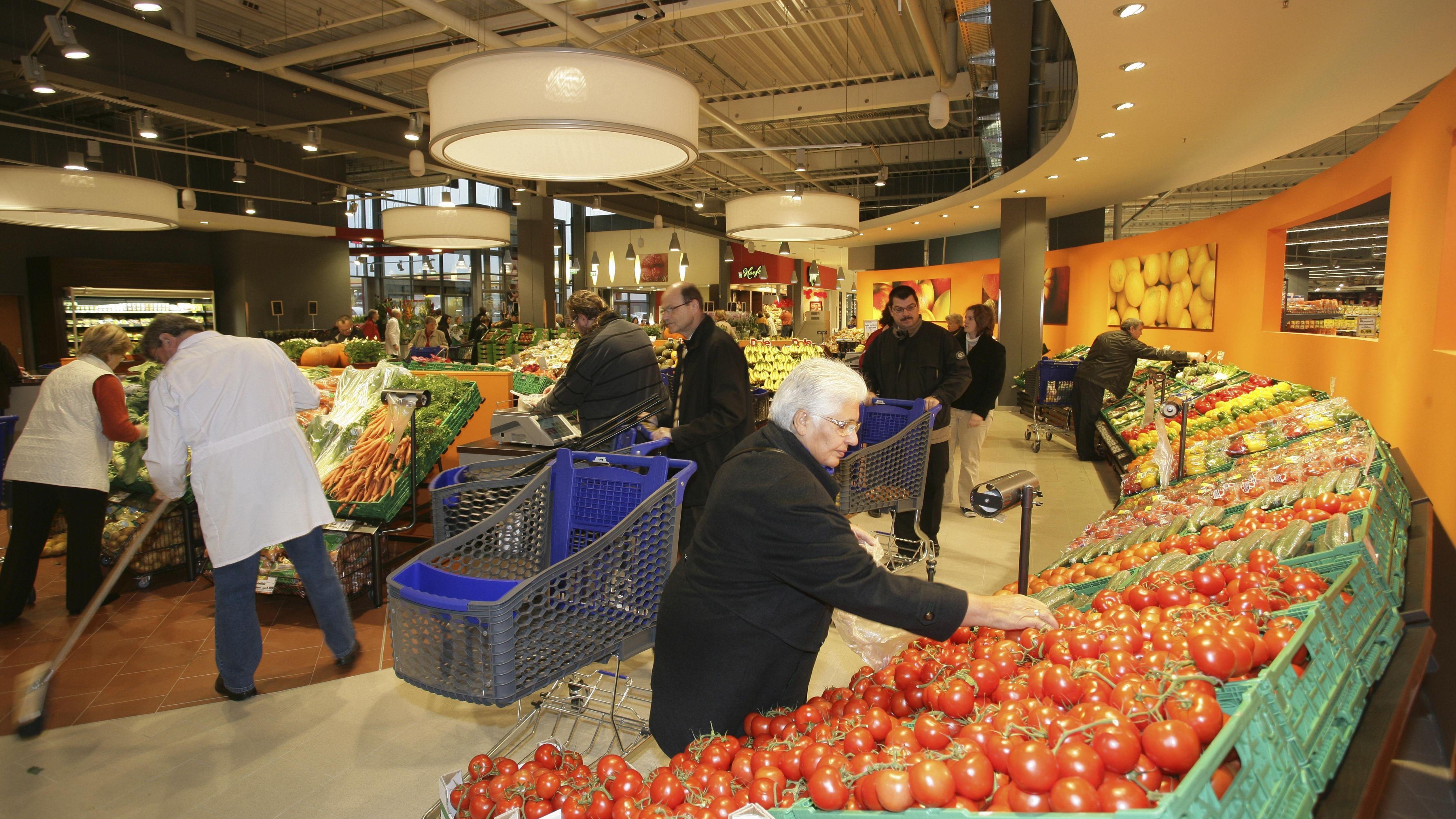 Tarifrunde Im Einzelhandel Kampf Um Geld Und Existenzen Br24