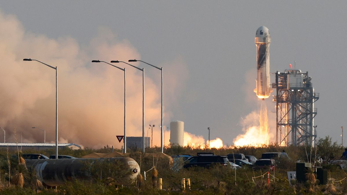 Rakete mit Jeff Bezos an Bord beim Start