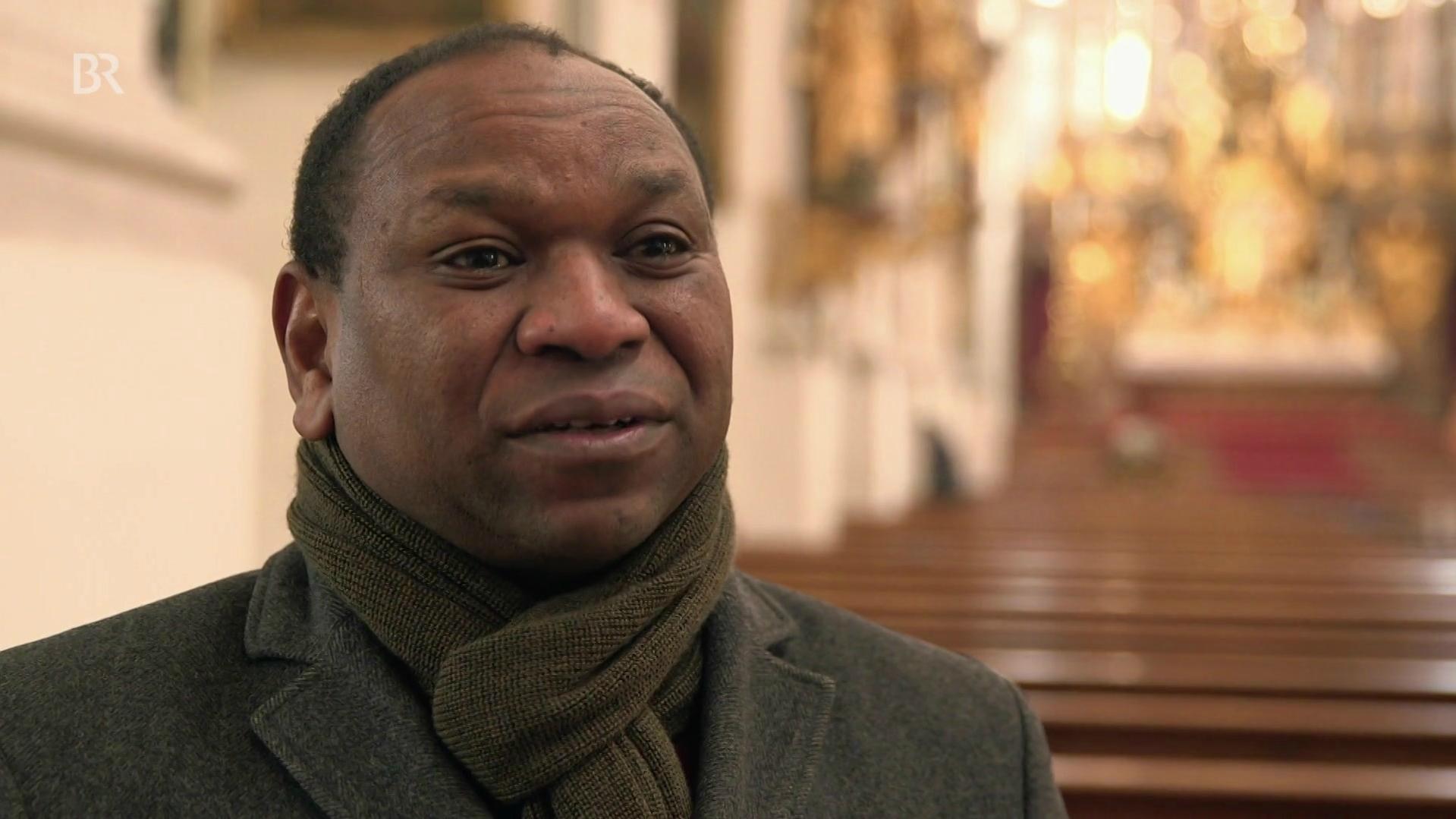 Yassir Eric kämpfte früher gegen Christen. Heute lehrt er religiöse Toleranz.
