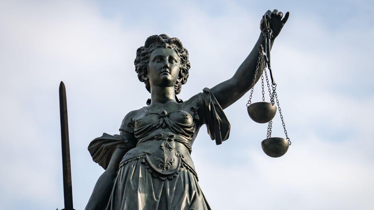 """""""Bürgerasyl"""": Mann wegen Aufrufs zu Straftaten in Alzenau vor Gericht"""
