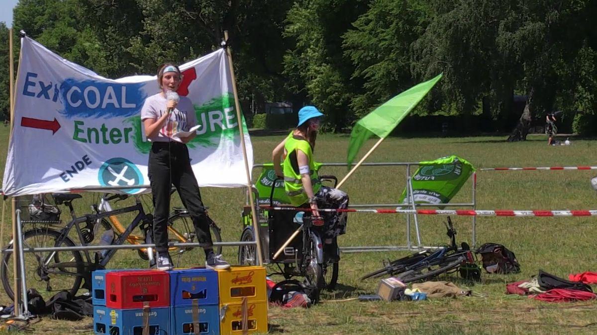Aktivisten von Fridays for Future während der Demonstration auf der Wöhrder Wiese