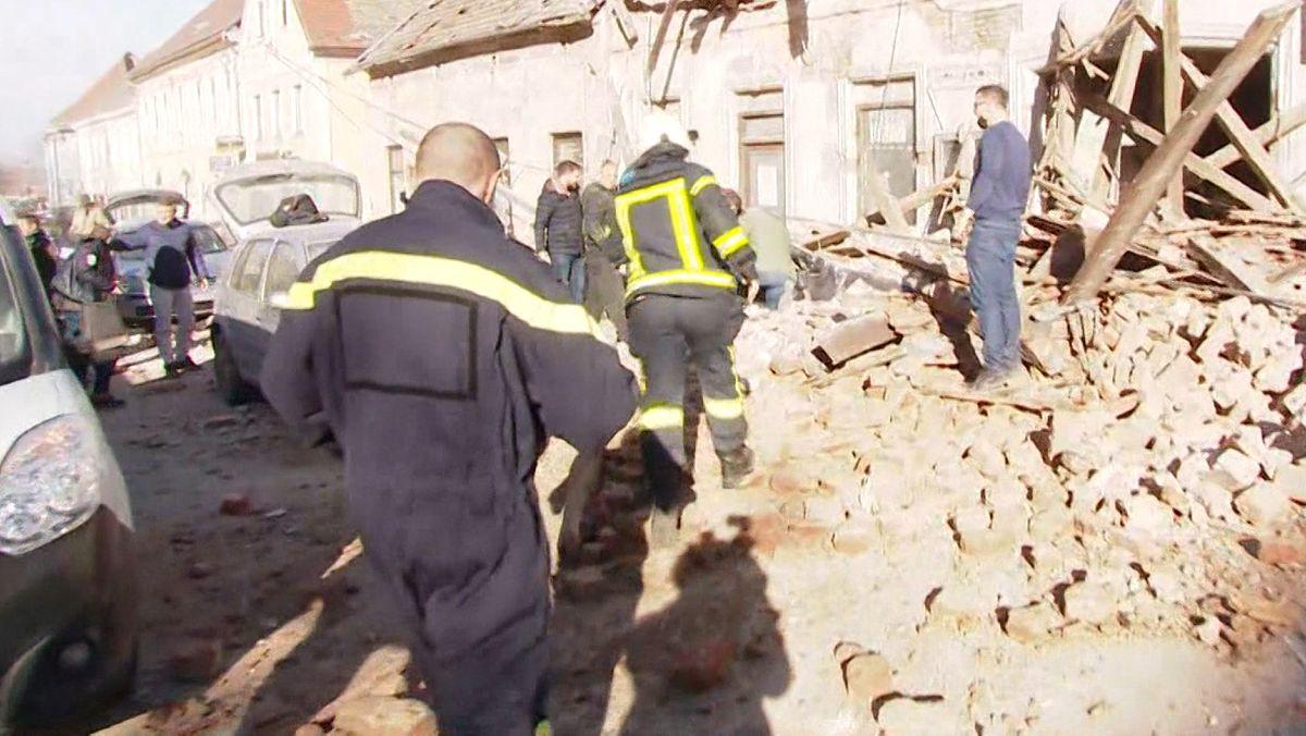 Nach dem Erdbeben in Kroatien wird nach Verschütteten gesucht
