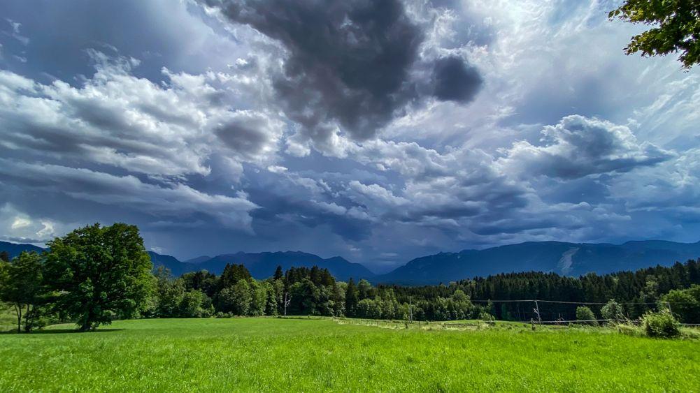 Gewitterwolken in der Nähe von Murnau.