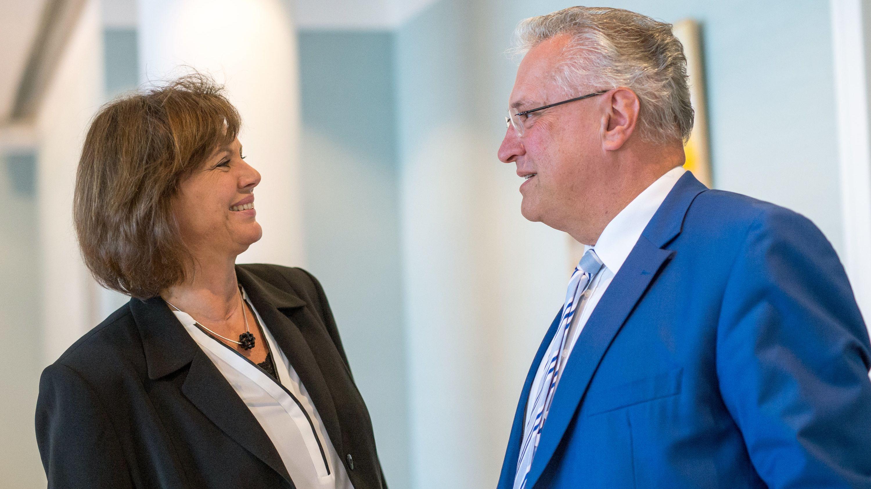 Landtagspräsidentin Aigner und Innenminister Herrmann im Gespräch