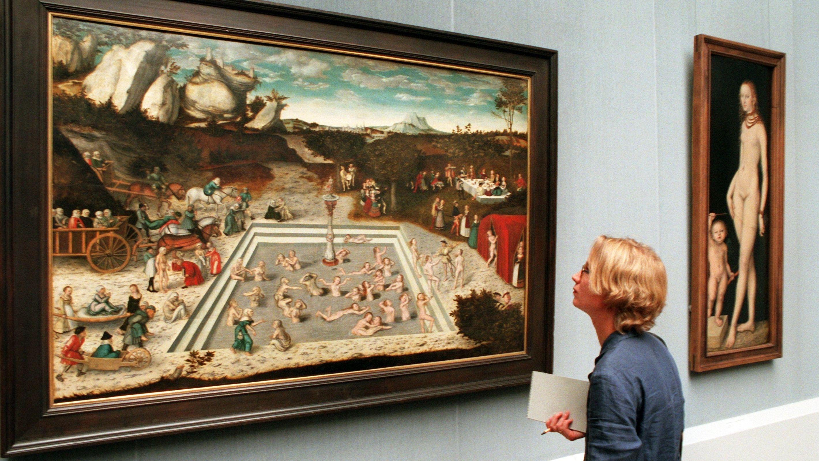 """Alt und gebrechlich werden sie angekarrt und jung entsteigen sie dem Schönheitsbad: Lucas Cranach der Ältere malt den """"Jungbrunnen"""""""