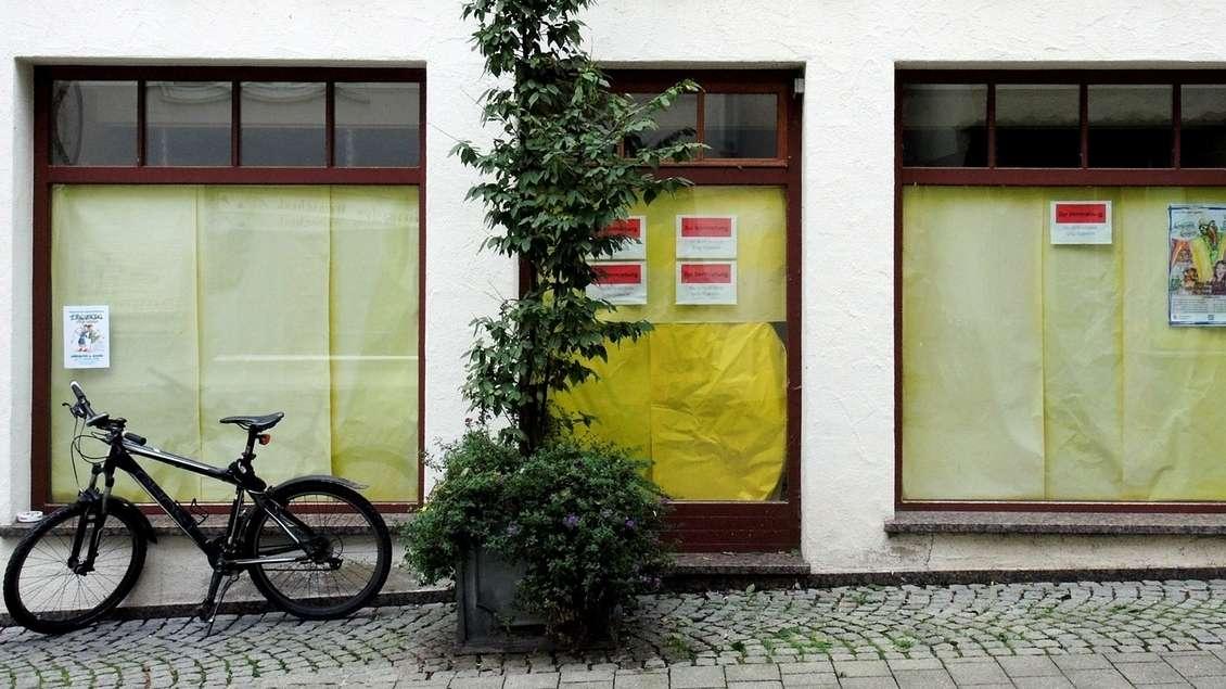 Zugeklebte Schaufenster (Symbolbild)