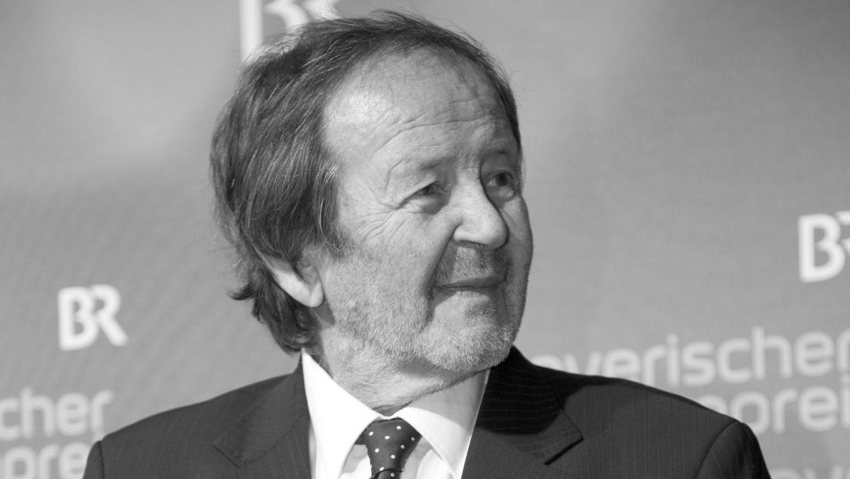 Schwarzweiß Porträt von Gernot Roll beim Bayerischen Filmpreis 2014