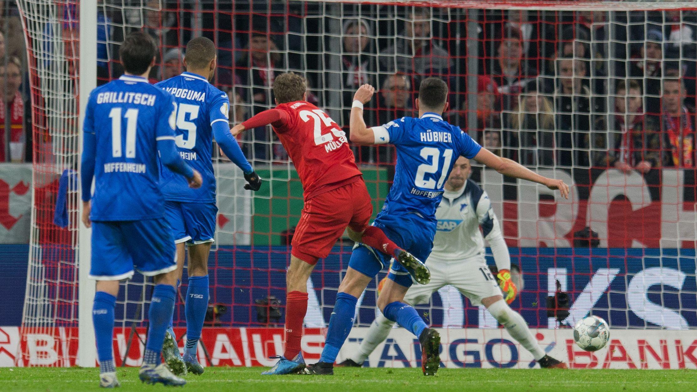Spielszene FC Bayern - 1899 Hoffenheim