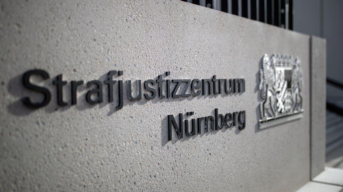 Der Eingangsbereich des Strafjustizentrums Nürnberg