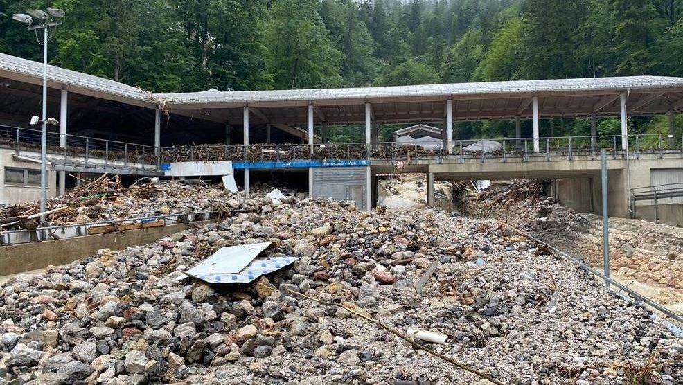 Schwer verwüstet: die Weltcup-Bobbahn Schönau.