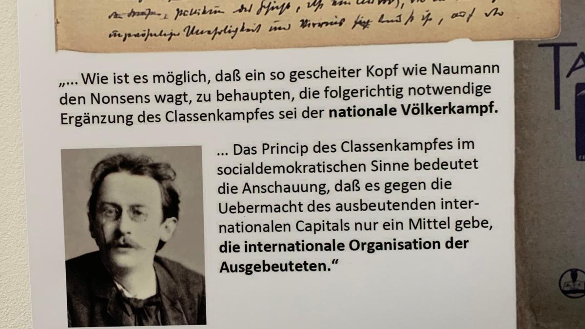 Ein Geschichtspfad in der Ausstellung präsentiert zahlreiche Dokumente zum Leben Kurt Eisners und zur Revolution von 1918.