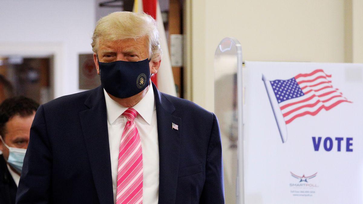 US-Präsident Trump bei der Stimmabgabe in West Palm Beach, Florida.