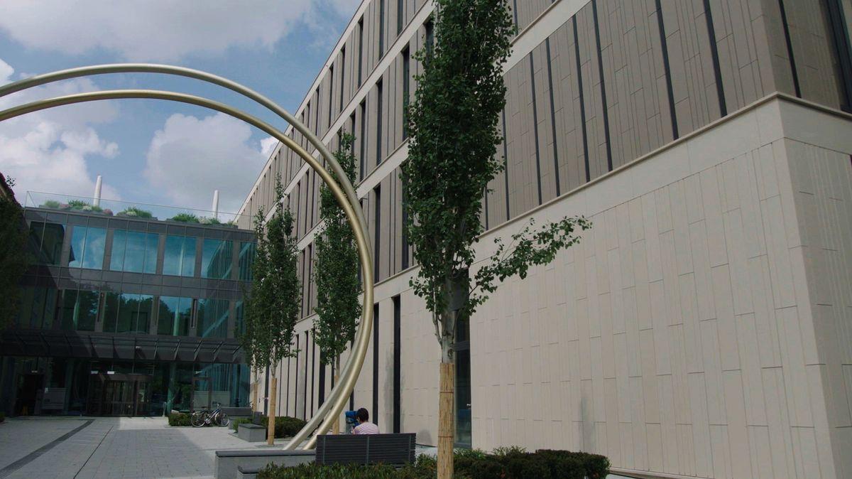 Haupteingang neues LMU-Klinikum Innenstadt.