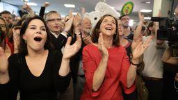 Europawahl: Grüne auf Platz zwei, Verluste für Union und SPD | Bild:picture alliance/Kay Nietfeld/dpa