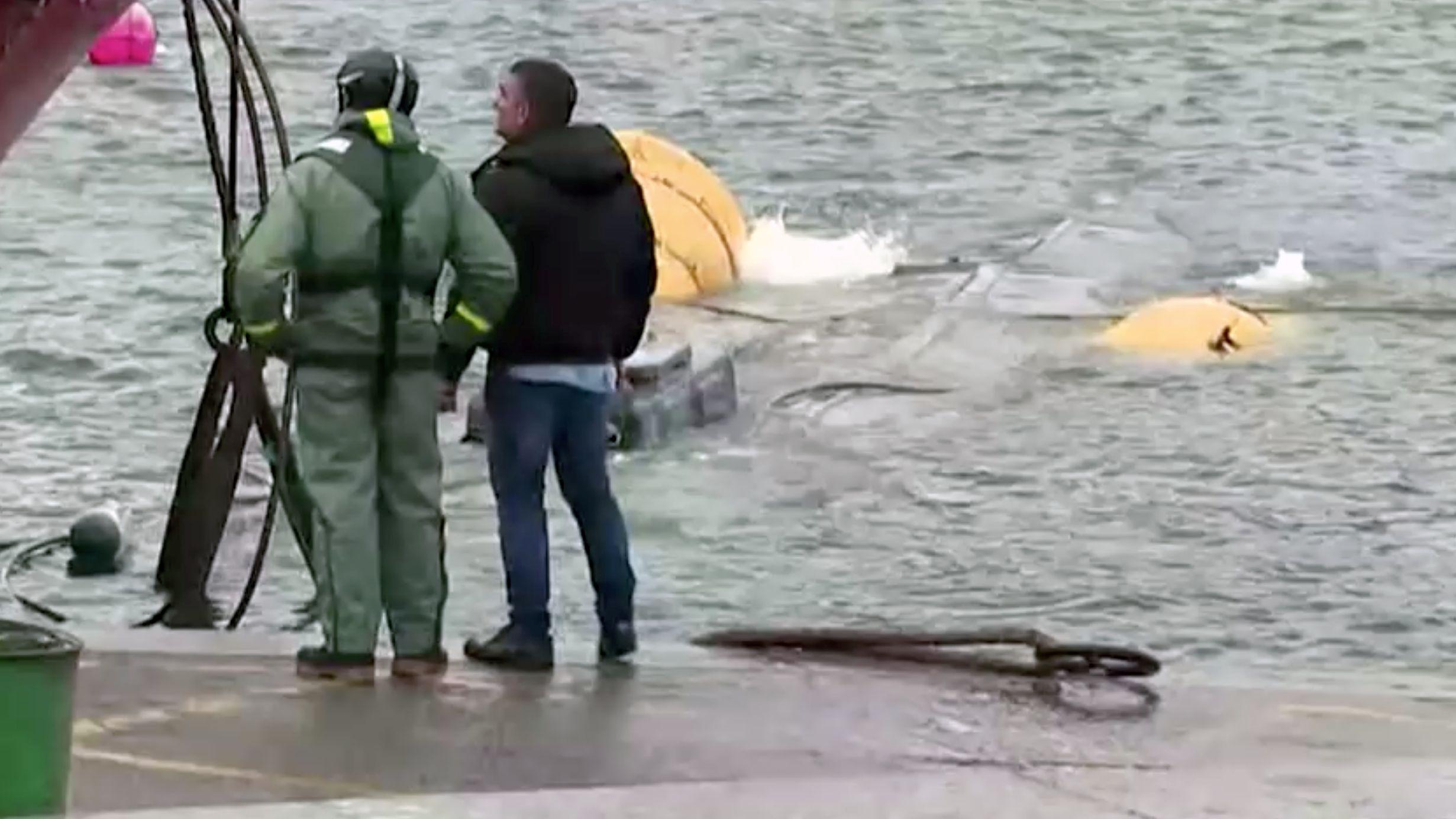 Behörden stellten das U-Boot vor der spanischen Küste sicher.