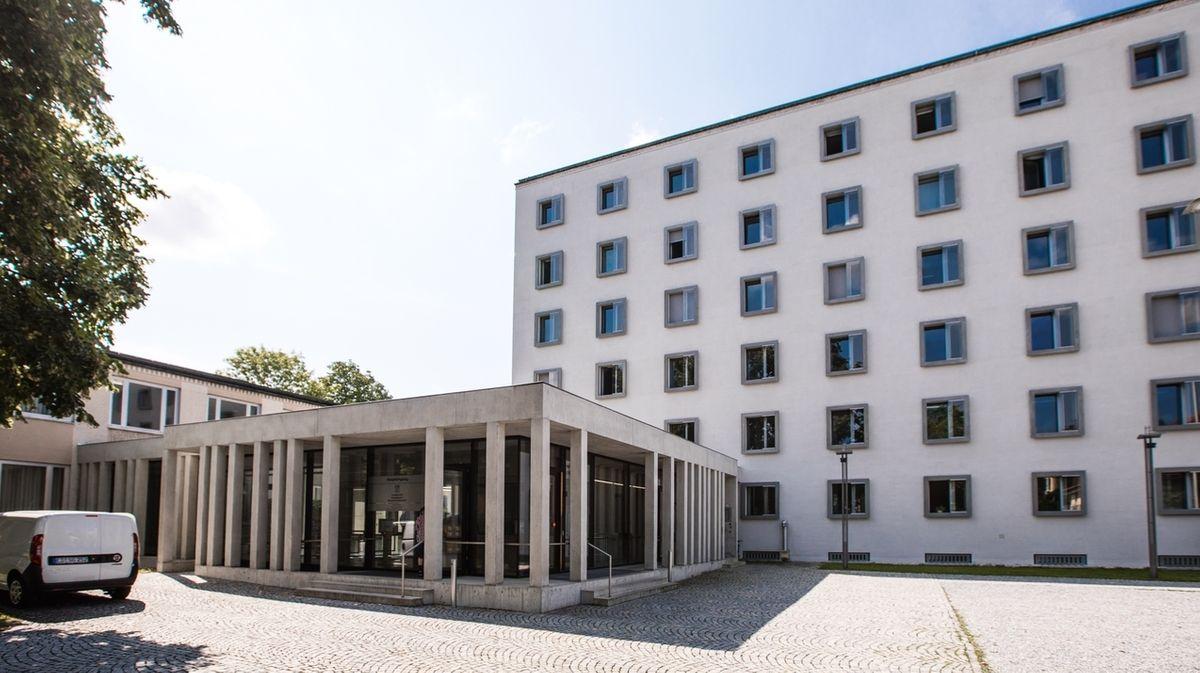 Amts- und Landgericht Traunstein.