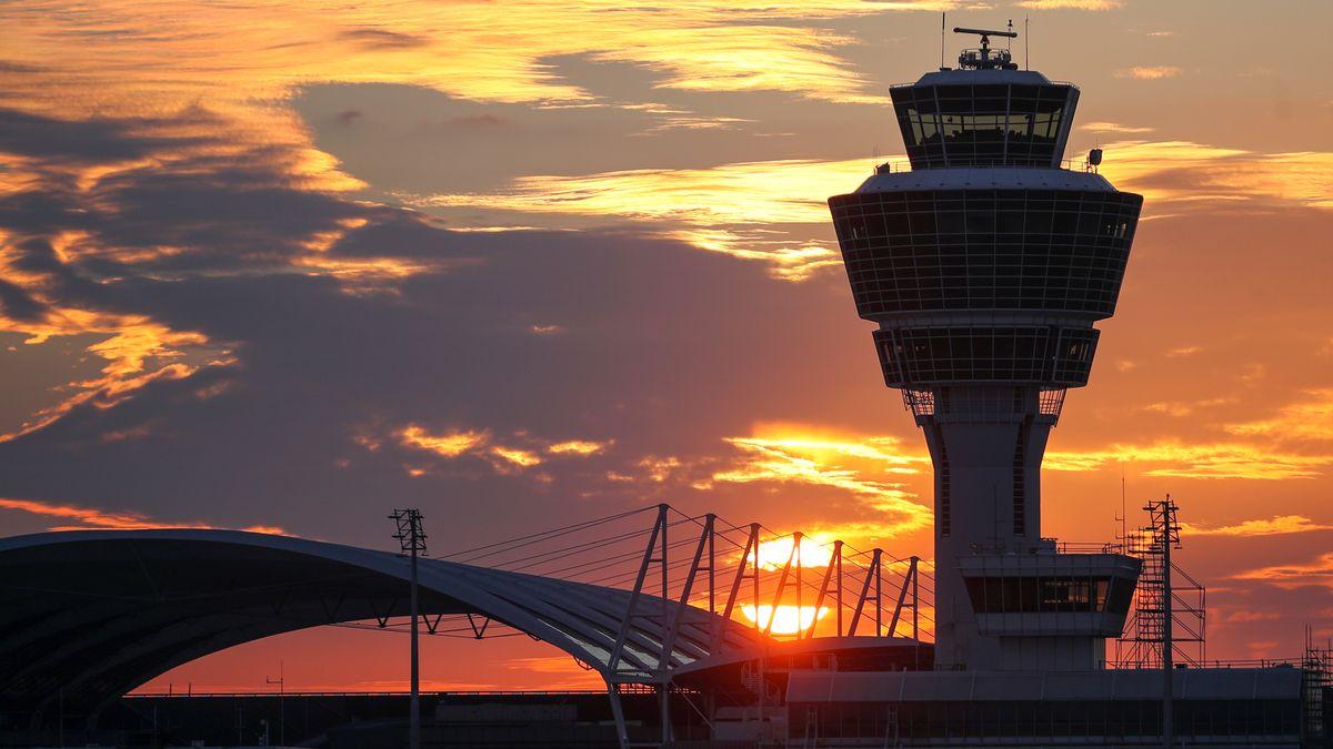 Tower des Münchner Flughafens