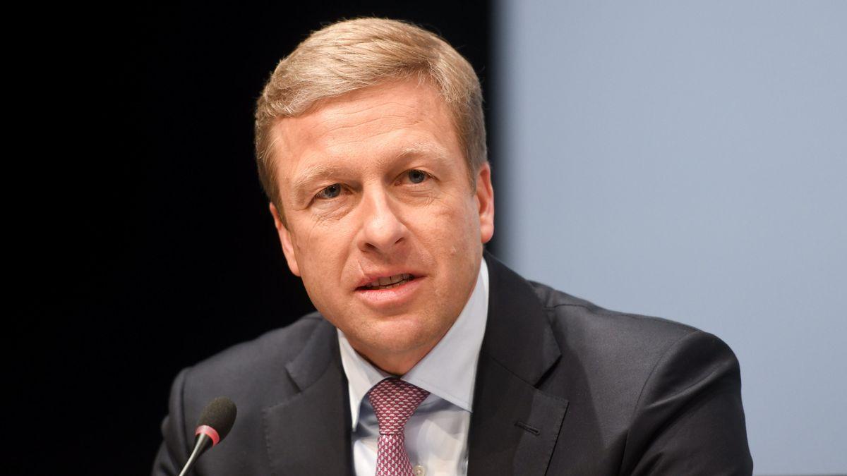 BMW-Vorstandsvorsitzender Oliver Zipse Portraitfoto