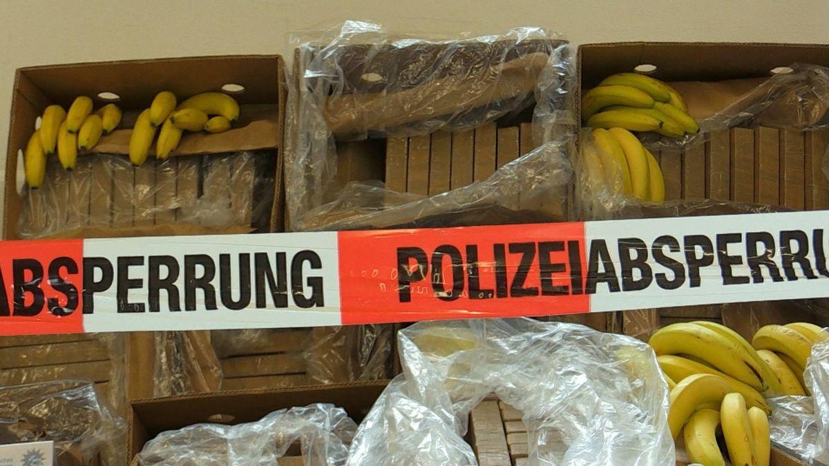 Bananenkisten mit Polizeiabsperrband