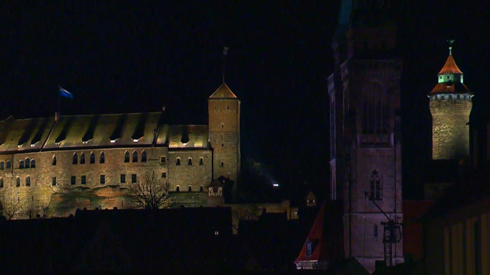 In Nürnbergs Innenstadt wird es nun ab 23 Uhr schon dunkel.