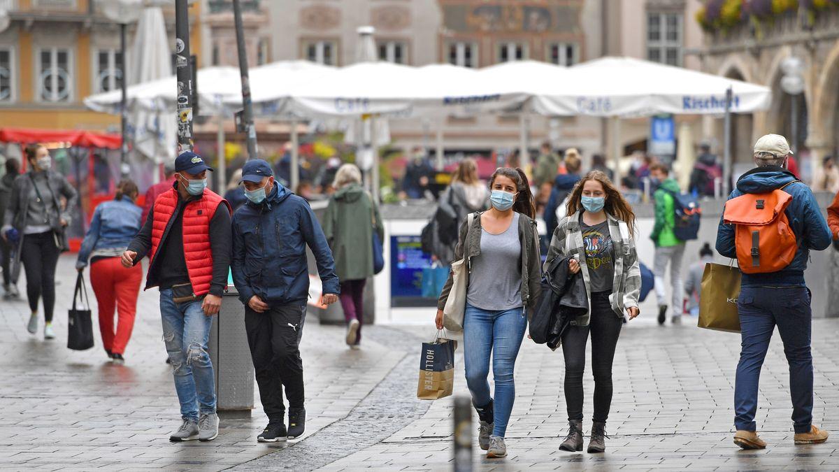 BR-BayernTrend: Drei Viertel der Bayern für Maskenpflicht auf belebten Plätzen