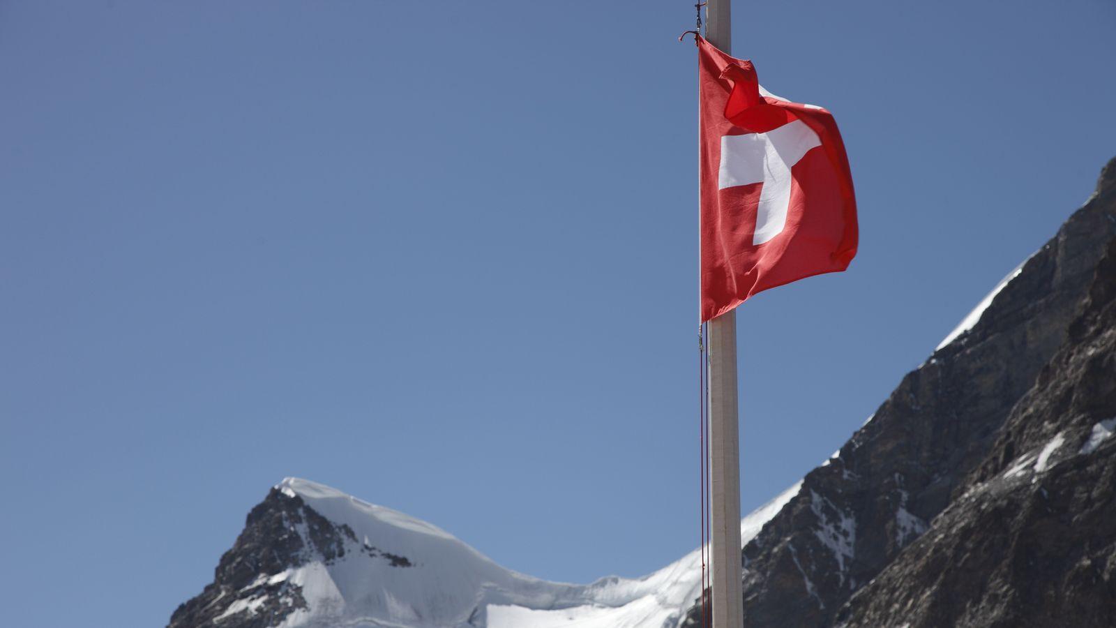 Die Schweiz Rückzugsraum Für Deutsche Rechtsextreme Br24
