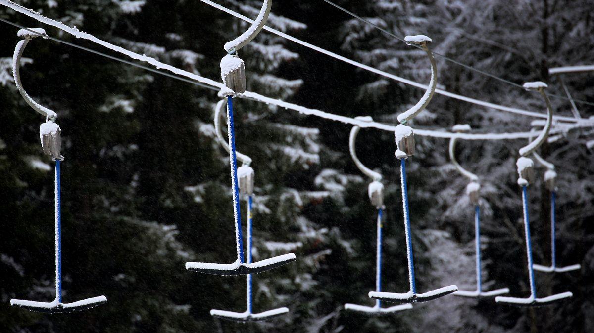 Ein leerer Skilift